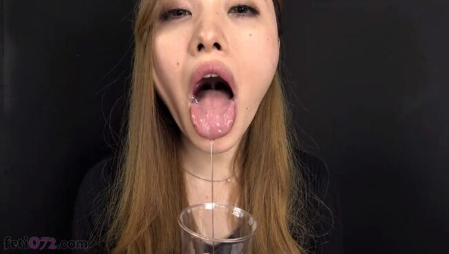 唾液をたらす平川琴菜